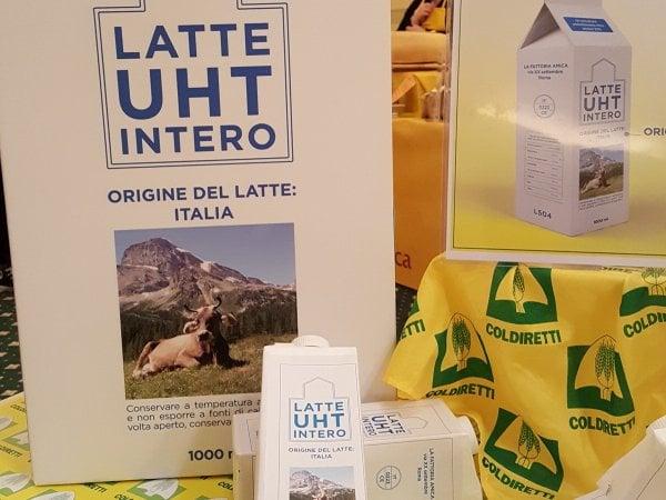 """Latte, in arrivo le etichette Ue per difendere il """"made in Italy"""""""