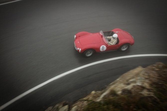 Bernina GT 2016, scatti d'autore: quando le classic car diventano poesia
