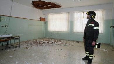 Brindisi, scuola a rischio crollo: arriva lo sgombero della Asl. Lezioni all'aperto per 700 studenti