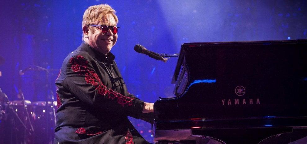 "Elton John, in arrivo una autobiografia ""senza limiti"""