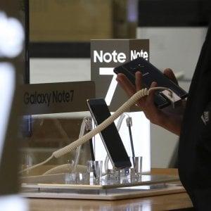 Samsung, Alitalia vieta Galaxy Note 7 anche in cabina