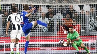 Napoli spuntato, Dzeko candida la Roma al ruolo di anti-Juve
