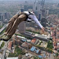 Base jumping, salti nel vuoto e voli mozzafiato