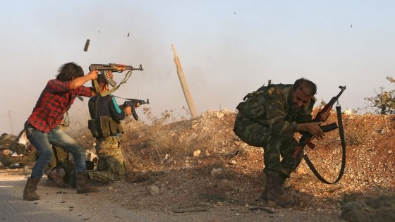 Siria, le forze ribelli e i turchi riconquistano la simbolica città di Dabiq