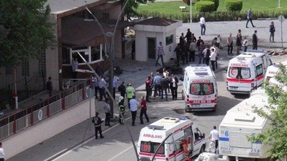 Turchia, esplosione kamikaze in campus a Gaziantep