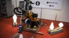 Guanti intelligenti, rotatorie smart e stampanti 3D per bambini. La magia della Maker Faire