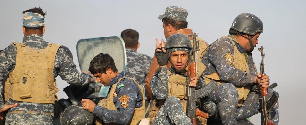 """Iraq, iniziata l'offensiva per cacciare l'Isis da Mosul. Onu: rischio civili """"come scudi umani"""""""