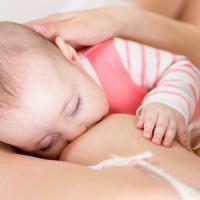 Il latte materno è una coperta che protegge il neonato