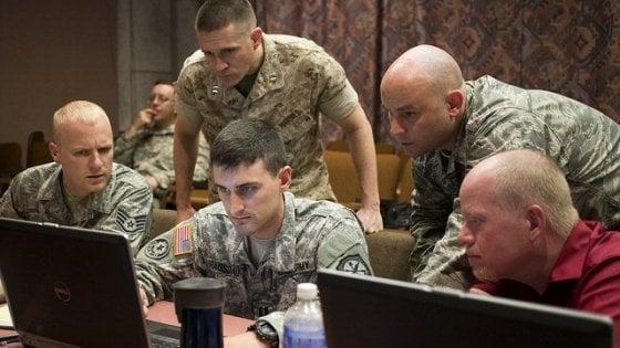 Virus, botnet, attacchi Ddos: le armi segrete della cyberwar Usa-Russia