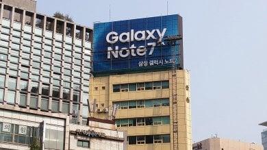 """Samsung, per il Note 7 un recall da 5,3 mld Gli analisti: """"Apple ne beneficerà"""""""