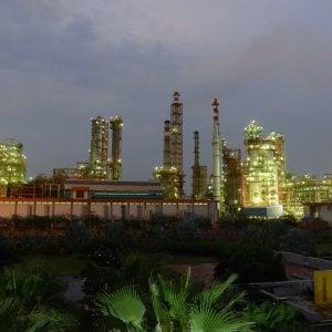 Petrolio, chi guadagna con le mosse dell'Opec: l'Arabia può ravvivare gli Usa