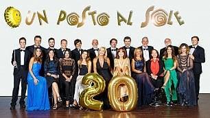 I 20 anni di Un posto al sole  la famiglia più amata in tv