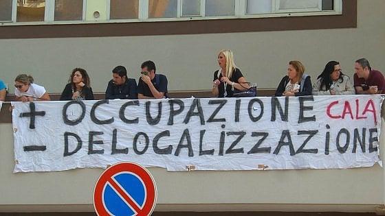 """Allarme call center dai sindacati: """"A rischio 80mila lavoratori"""""""