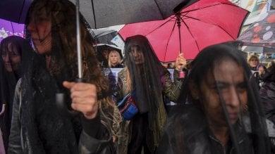 Argentina, donne in sciopero e in nero  per dire basta alla violenza di genere  foto