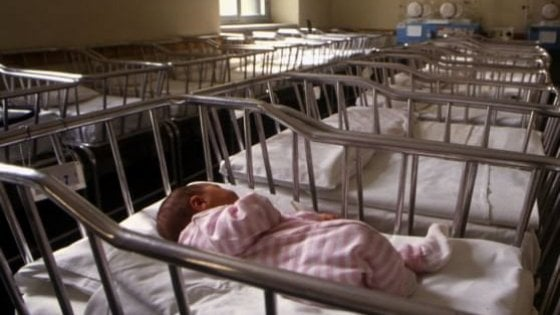 Culle vuote, il tracollo delle nascite: in sei mesi 14mila in meno