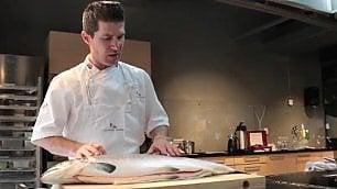 Come capire se il salmone è fresco I due trucchi dello chef norvegese    di ANGELA NITTOLI