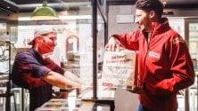 A cena con Facebook: il food delivery è sul social   Foto  I servizi in Italia