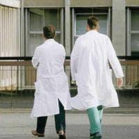 Due procedimenti disciplinari a medici anti-vaccini