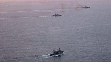 """Megaflotta russa  fa rotta verso la Siria  """"Mai così grande dalla Guerra fredda""""   Aleppo, scontri  vicino corridoi umanitari"""