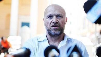 Il caso di un telefonino rubato e dimenticato scuote il comune di Livorno
