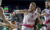 Macvan guida Milano al colpo Battuto il Darussafaka   video