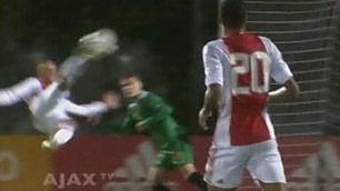 Ajax, sforbiciata d'antologia Sierhuis incanta in Youth League