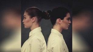 La performance di Gigi e Kendall  modelle come Marina Abramovic