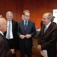 """Padoan ai tedeschi: """"Servono più Europa e più investimenti"""""""