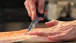 Filetto di salmone, come si ricava  I consigli dello chef norvegese     di ANGELA NITTOLI
