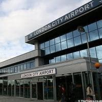 Londra, evacuato il London City Airport per