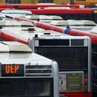 Vecchi, rotti e pericolosi: quei 23mila autobus che avvelenano le nostre