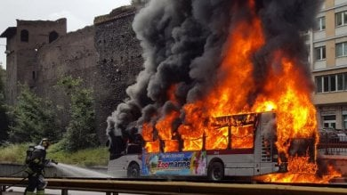 Vecchi, rotti e pericolosi: quei 23mila bus  che avvelenano le città del Belpaese