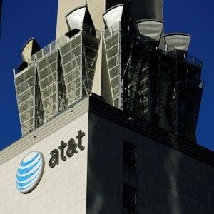 Accordo da 85,4 mld di dollari: AT&T acquista Time Warner