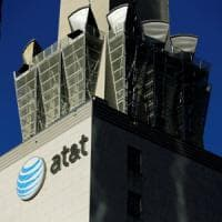 Accordo da 85,4 mld di dollari: AT&T acquista Time Warner