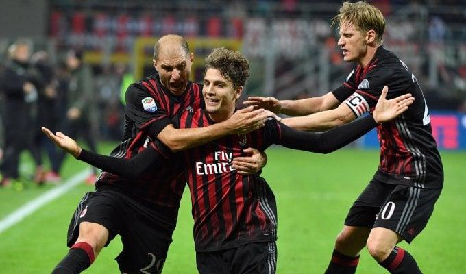 Il Milan dei giovani batte la Juventus: è a -2