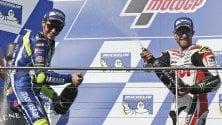 Rossi, rimonta show da quindicesimo a 2° La vittoria a Crutchlow