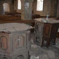 Iraq, dentro la chiesa di Bartella liberata dall'Isis: crocifissi distrutti e testi bruciati