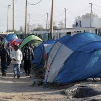 Migranti, scontri a Calais in vista delle chiusura della 'giungla'