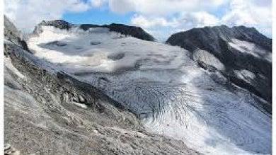 Valanga in Alto Adige: due alpinisti morti il buio ferma le ricerche di due dispersi