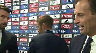 Allegri sfotte l'arbitro di porta per il gol annullato a Pjanic
