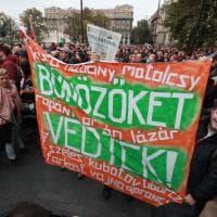 La piazza di Budapest contesta Orban