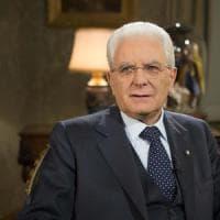 """Mattarella: """"Sconsiderato chi critica vaccini"""""""