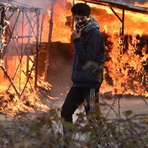 """Calais,  """"Smantellamento inevitabile, ma non risolve la situazione di chi fugge"""""""