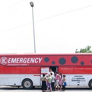 """Emergency, """"Nessuno escluso: aiutaci a tutelare il diritto alla cura per tutti"""""""