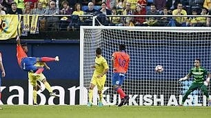 Tacco al volo e poi la sforbiciata Il gol leggendario di Boateng