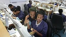 La solidarietà  con i gioielli:  a Gerusalemme  la scuola di oreficeria  per gli etiopi   di ELIS VIETTONE