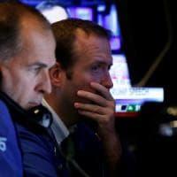 Borse caute sui dubbi della banche centrali. Debole Piazza Affari: crolla Mps