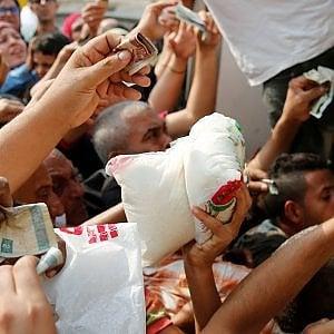 Egitto, caos economia: militari sequestrano lo zucchero nelle fabbriche
