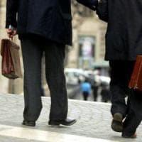 Portaborse, niente regole nella legge taglia-stipendi del M5s