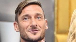 Lo show di Francesco Totti   'Io famoso? Giocavo a bocce'